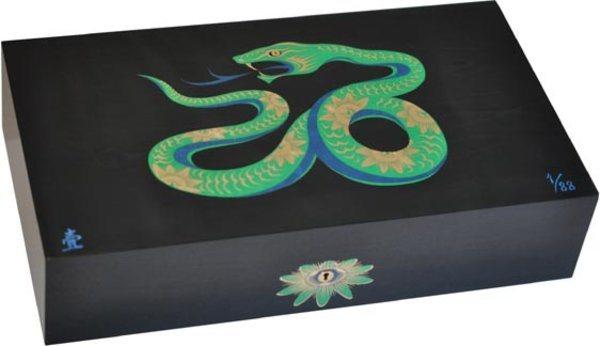 Эксклюзивный хьюмидор Elie Bleu Sycamore Marquetry Snake, цвет черный (от 1 до 88)
